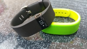 fitbit-charge-hr-vs-sony-smartband-swr10